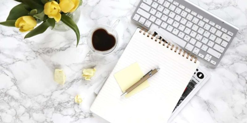 workspace for creating a profitable blog in 2020